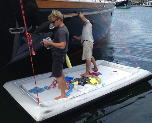 inflatable-workfloat-dock-aere-superyachts-supplier