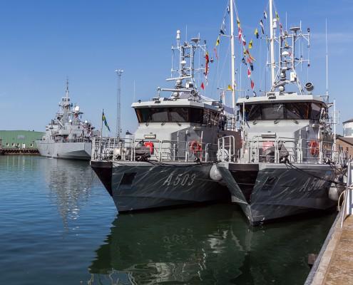 navy-marine-vessel-fenders-stootwillen-heavy-duty-2