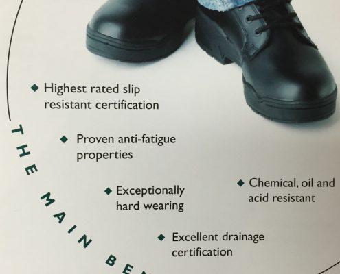Anti-slip Vloermat Heronrib is een robuuste beschermingsmat met goede anti-slip eigenschappen. voor comfort aan boord en bescherming van materiaal/bemanning